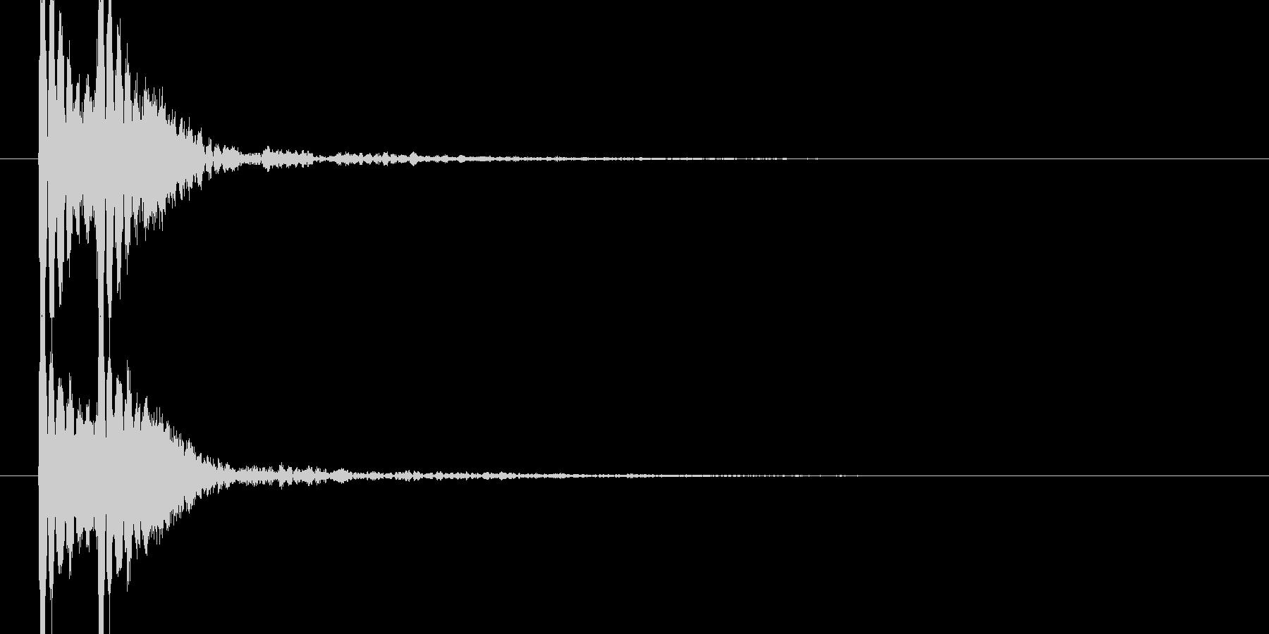トントン(高めの音の和太鼓)の未再生の波形