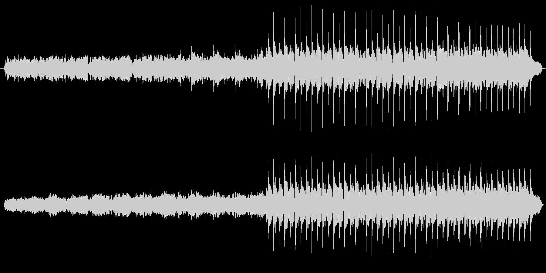 アコギとフルートとピアノの切なげな曲の未再生の波形