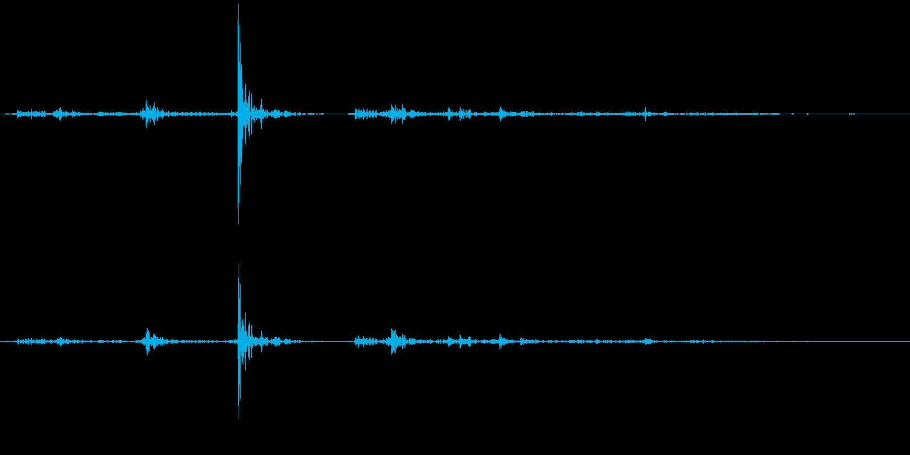 アタッシュケースを開けるの再生済みの波形