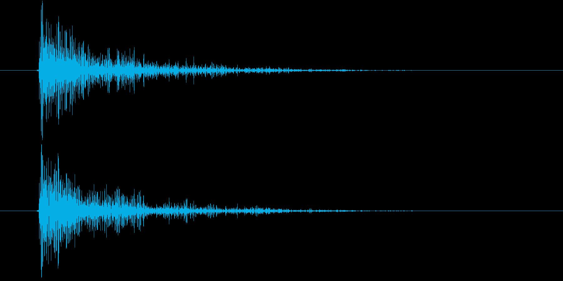 巨大な怪物が地面に足を落とすイメージ音の再生済みの波形