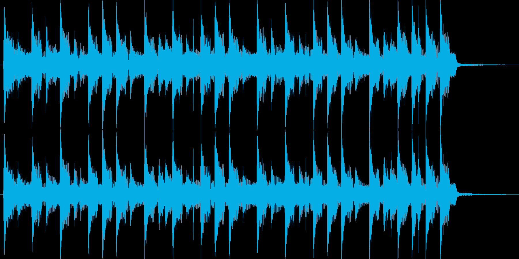 4つ打ちダンスの短いジングルの再生済みの波形