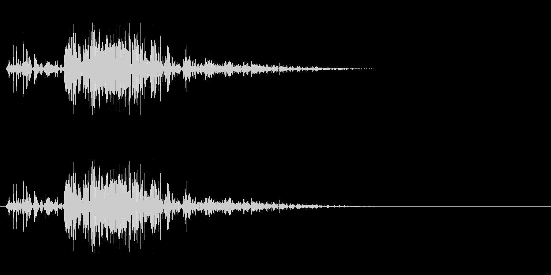 遠方の砲撃音の未再生の波形