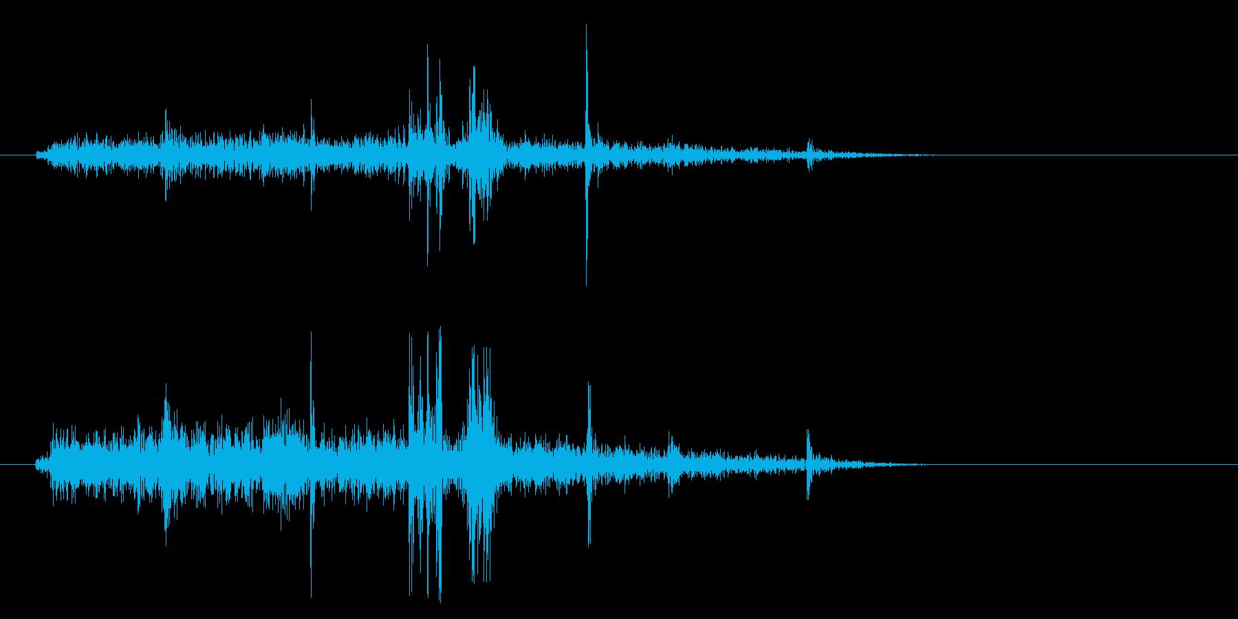 ペラッ(摩擦系 紙をめくる07)の再生済みの波形