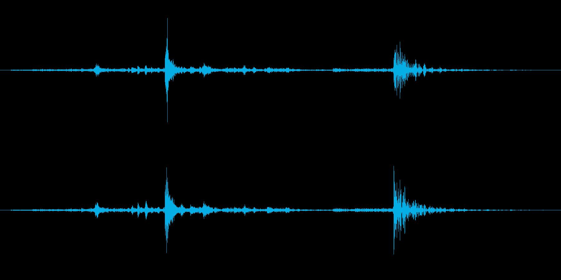引き戸を端から端までゆっくり閉める音で…の再生済みの波形