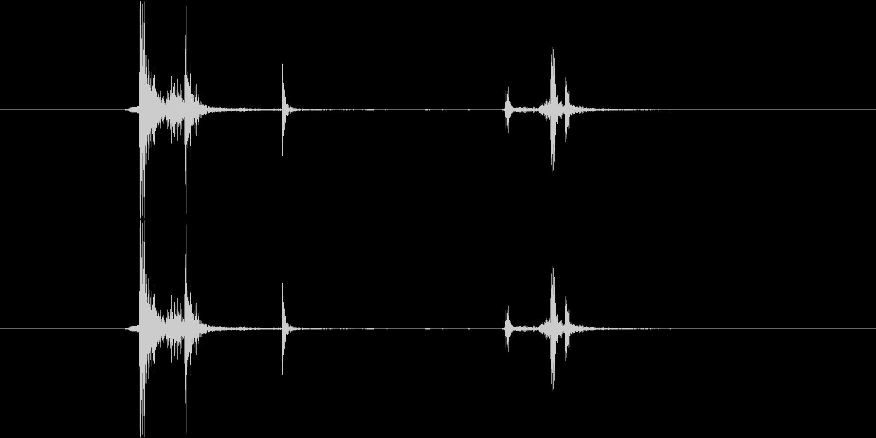 カチャ(金属)の未再生の波形