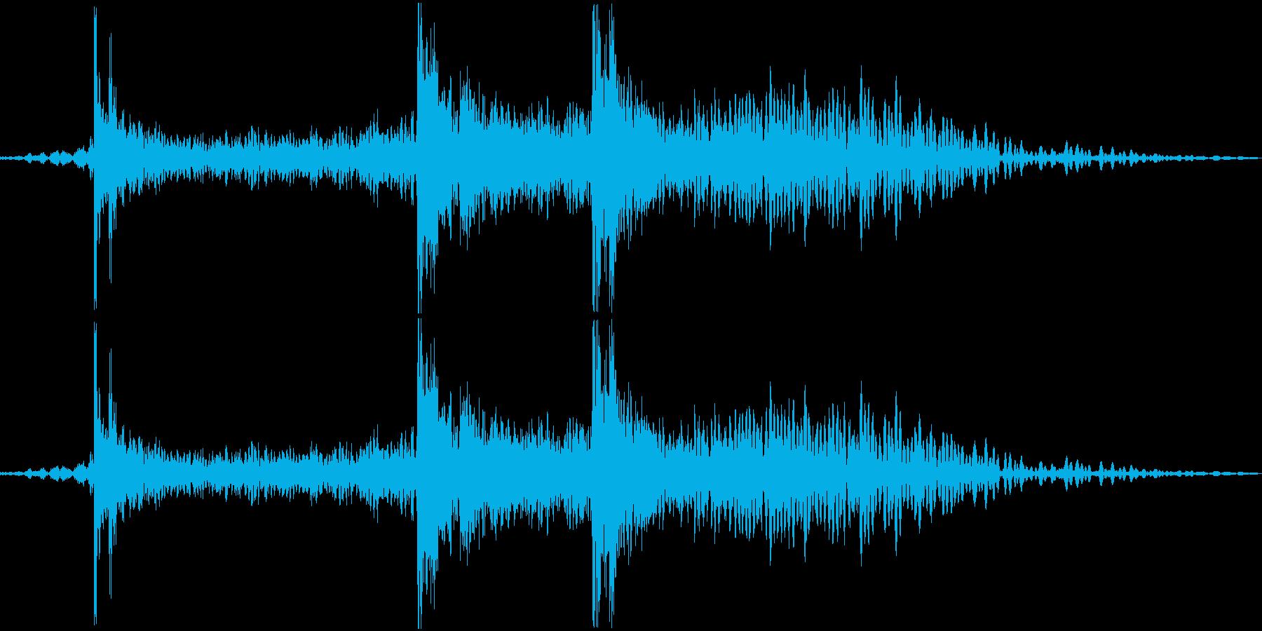 カチャン(食器の音)の再生済みの波形
