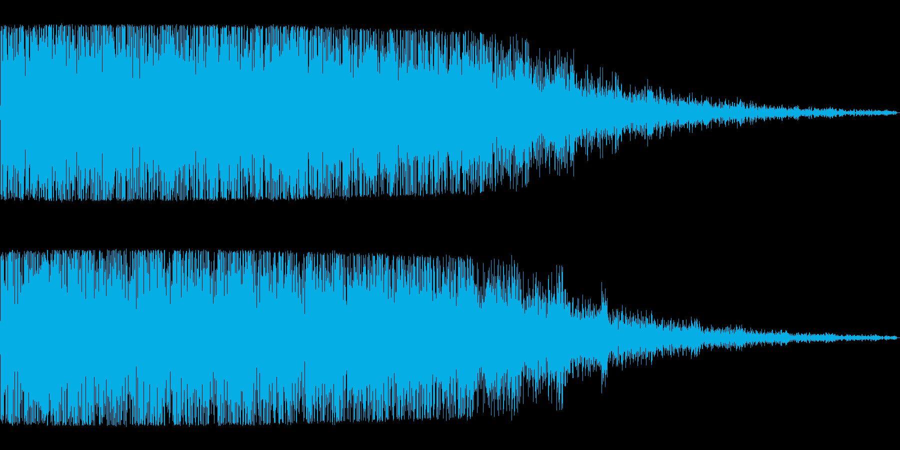 地の底から湧いてくるような低くうねった音の再生済みの波形