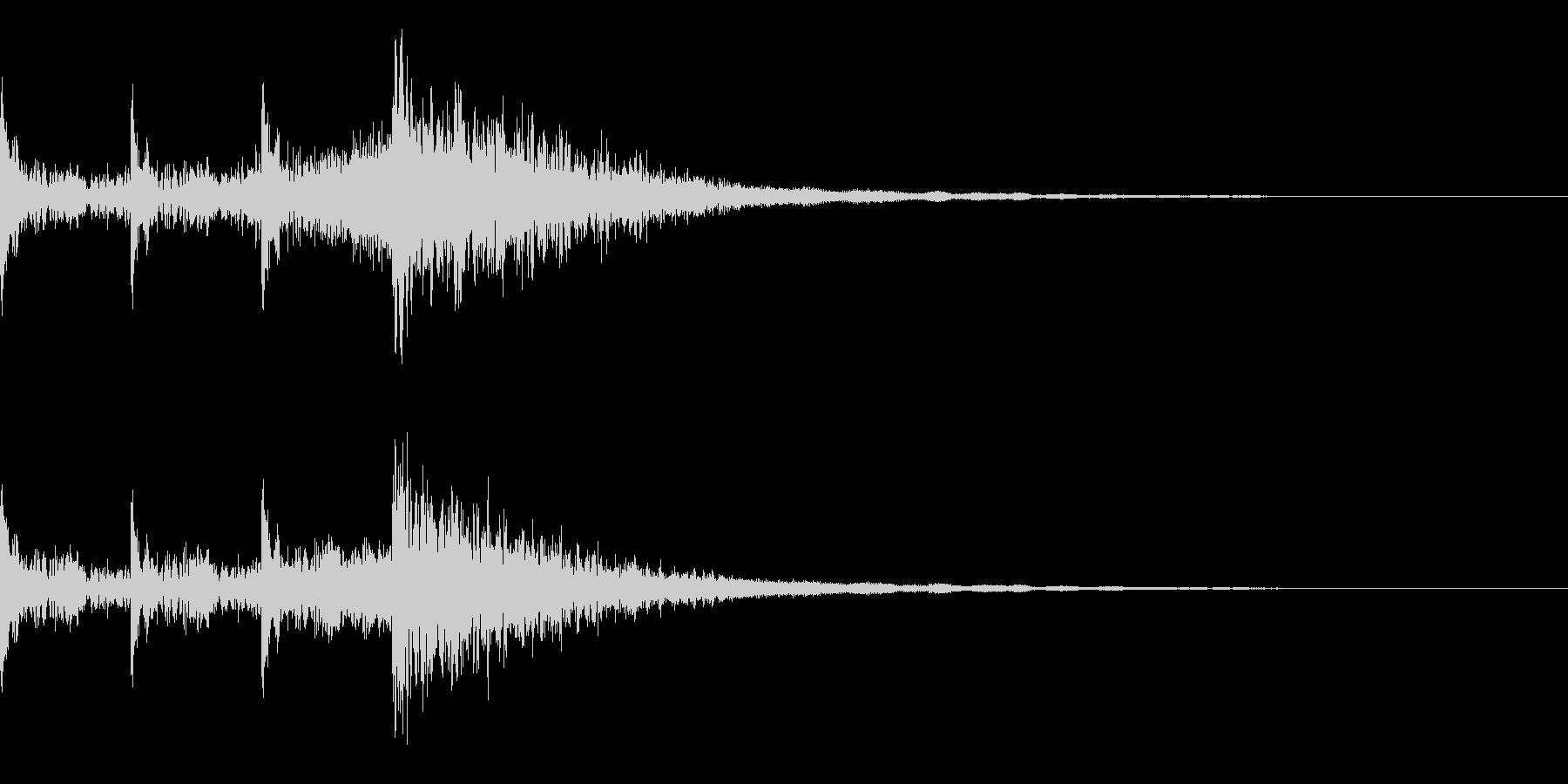 時限爆弾 3秒前 ピ、ピ、ピ、ボン の未再生の波形