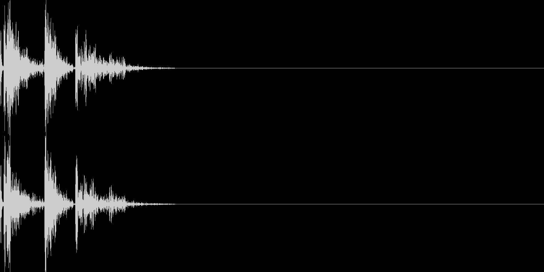 肩の骨を鳴らす(コキッ)の未再生の波形