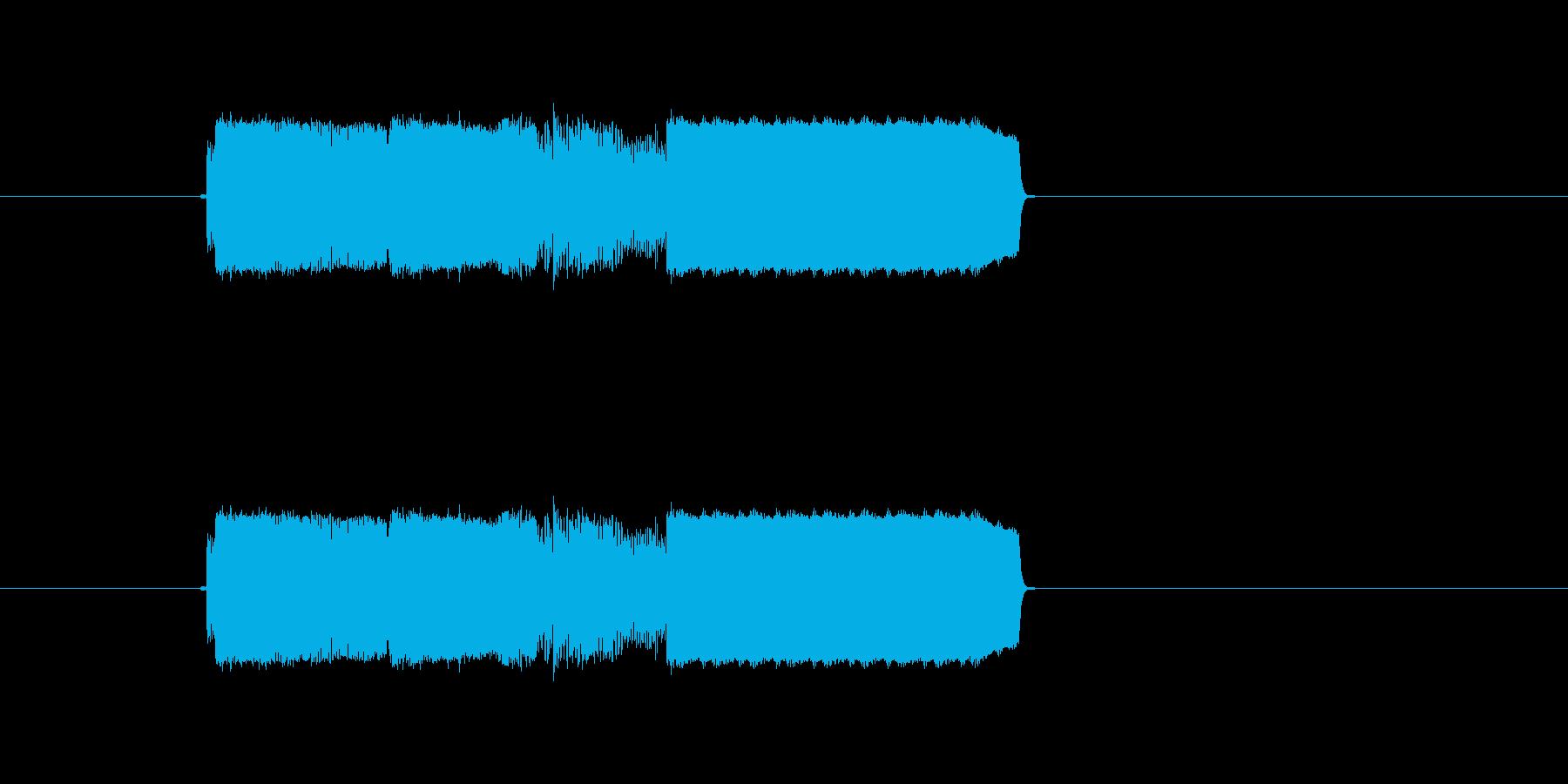 激しいギター音(弦、弾く)の再生済みの波形