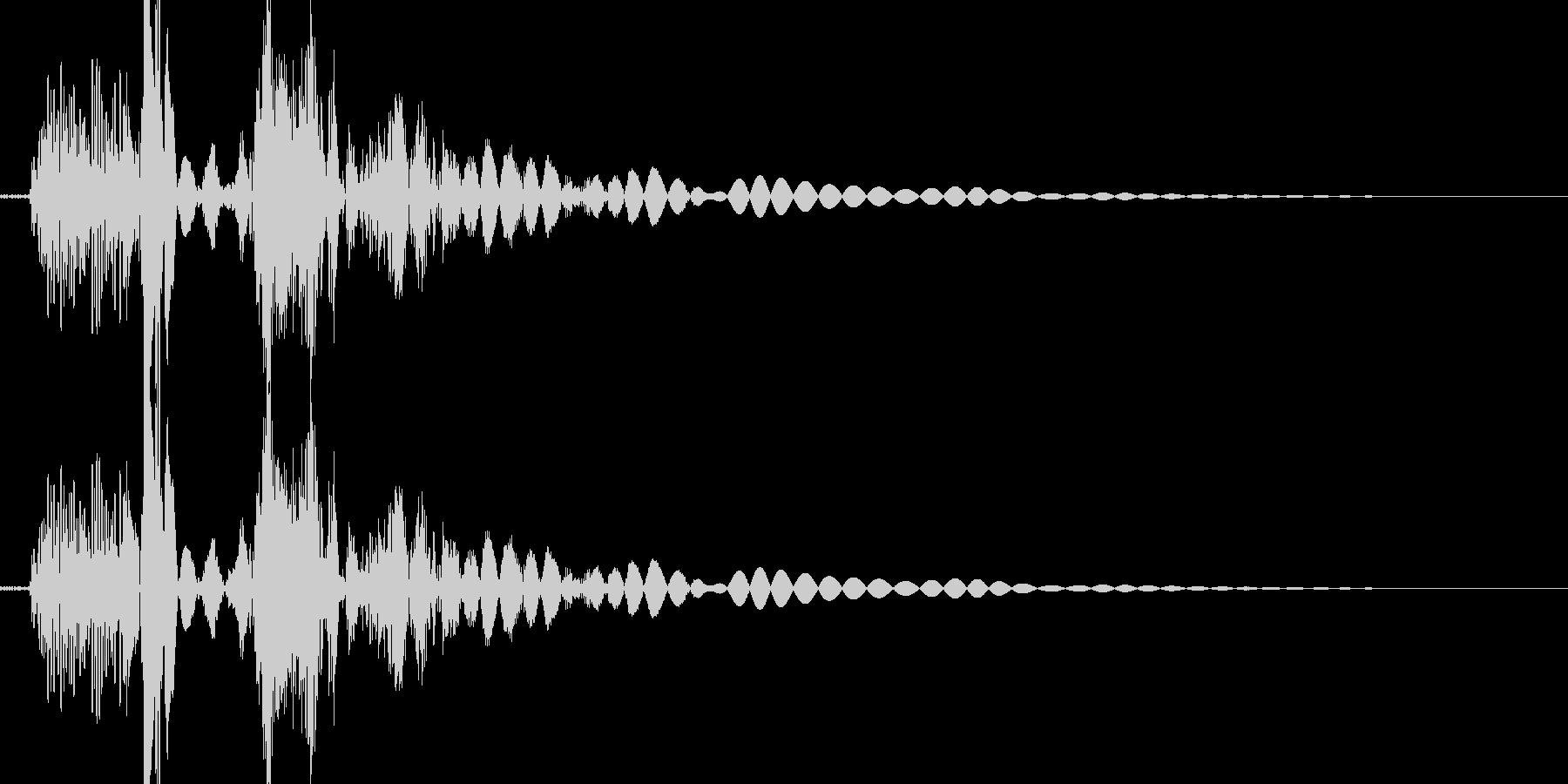 必殺風の蹴り音の未再生の波形