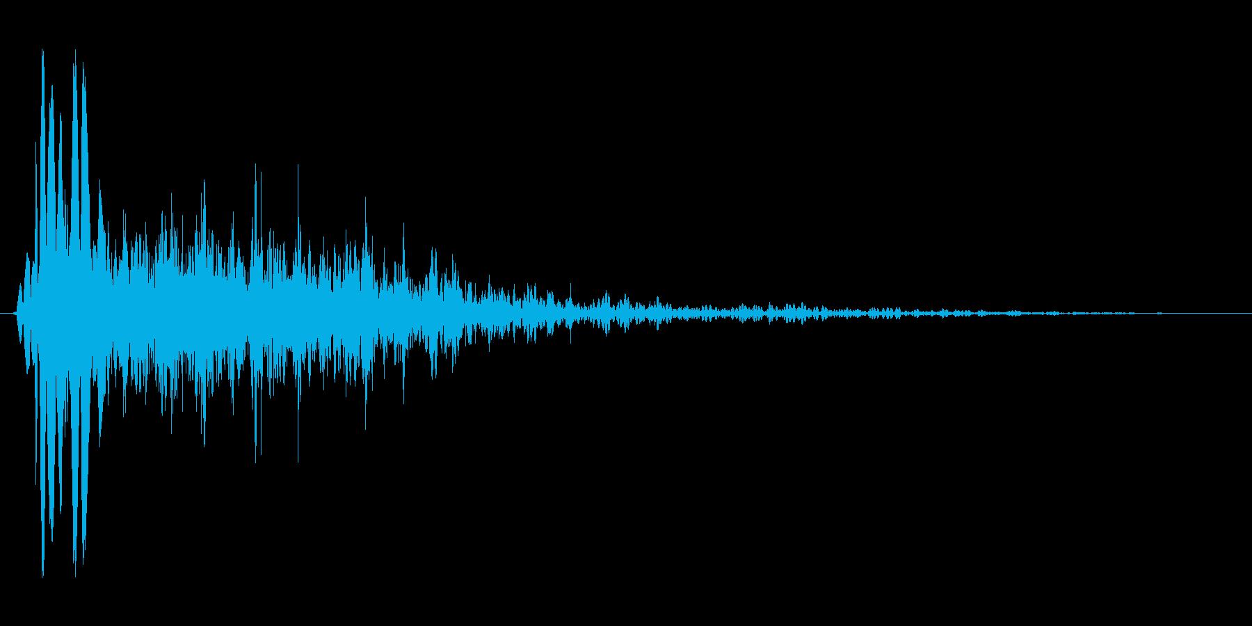 燃え盛る炎・火炎系の魔法(中レベル)mの再生済みの波形