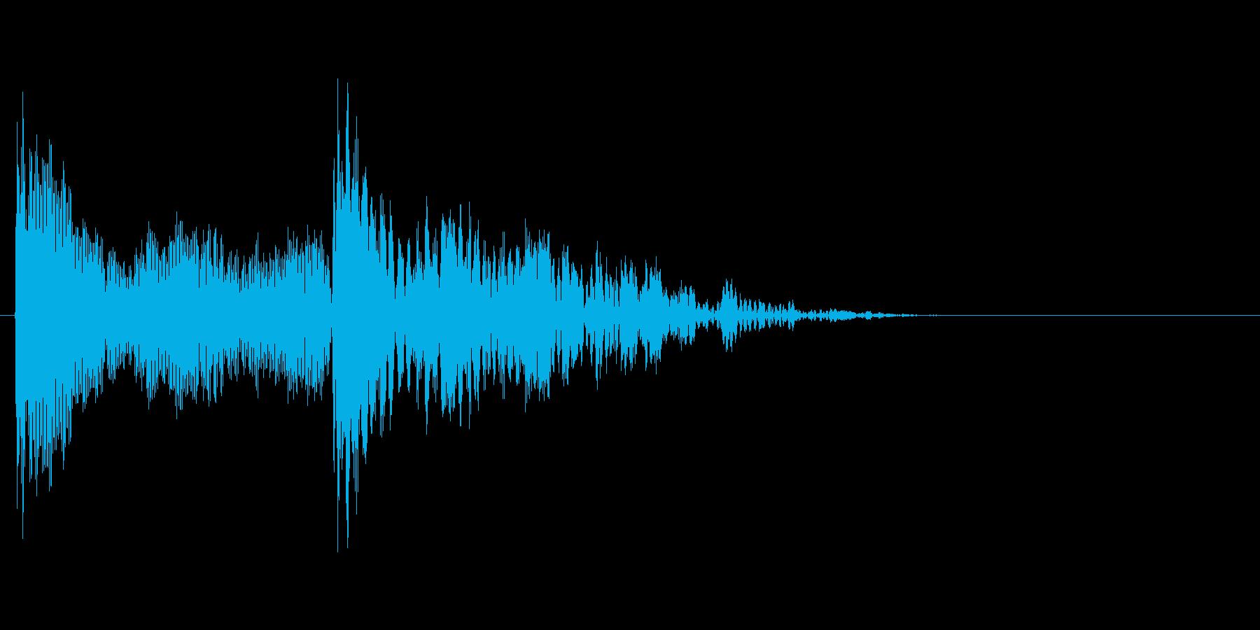 クリック音。「カチッ」の再生済みの波形