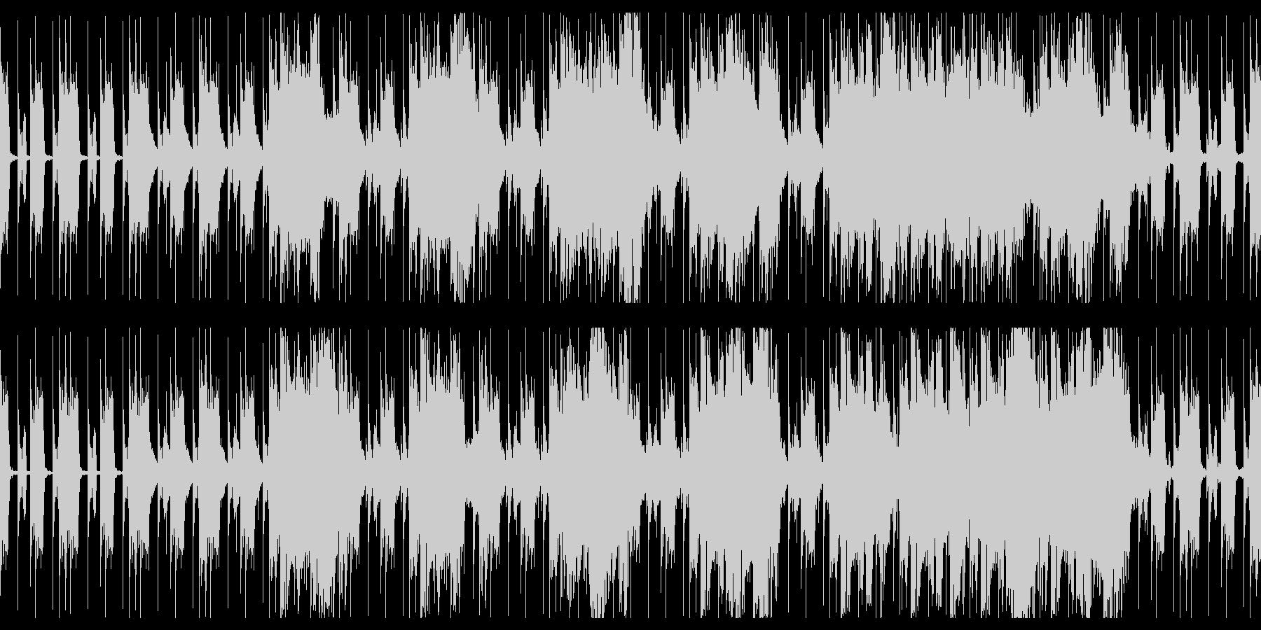 力強いビートとシンセによる無骨なループ曲の未再生の波形