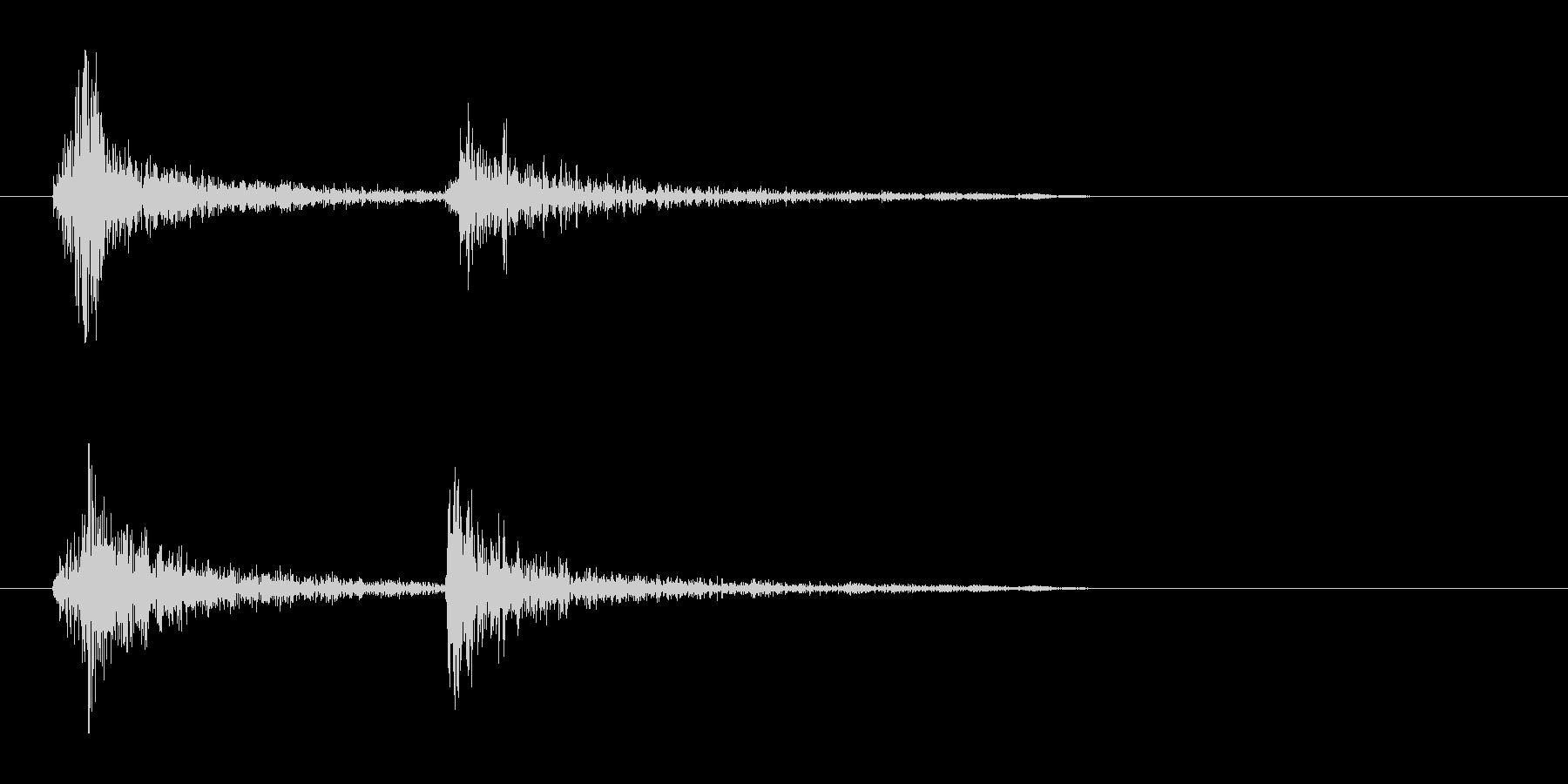 チャカ(軽めで短く歯切れの良い機械音)の未再生の波形