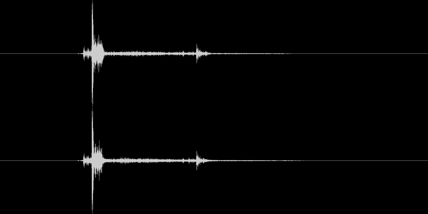 カチャンの未再生の波形