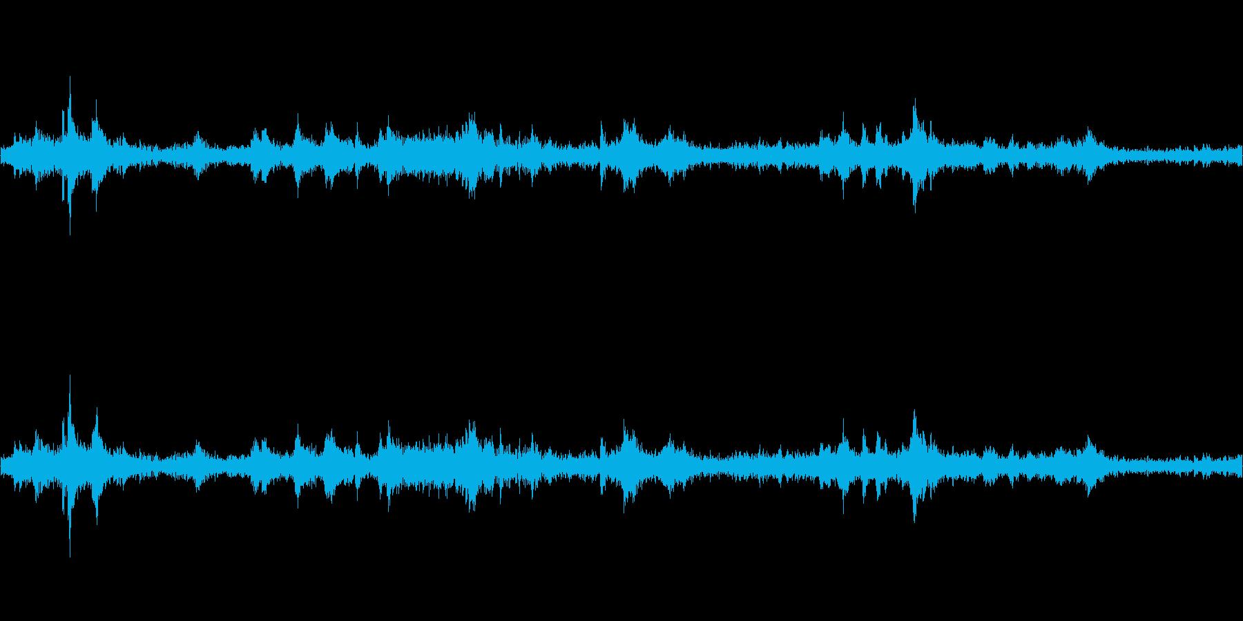 重機で建物(パン工場)が解体される音の再生済みの波形