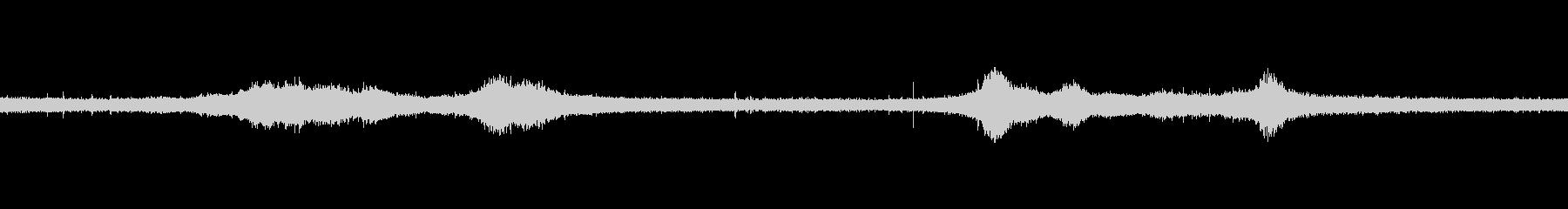 【生音】雨の日の通行音 - 6 雨 車…の未再生の波形