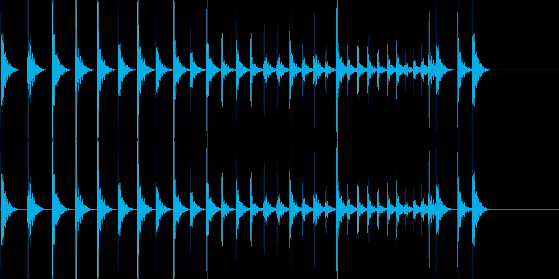 カン!カン!カン…… 拍子木のロールですの再生済みの波形
