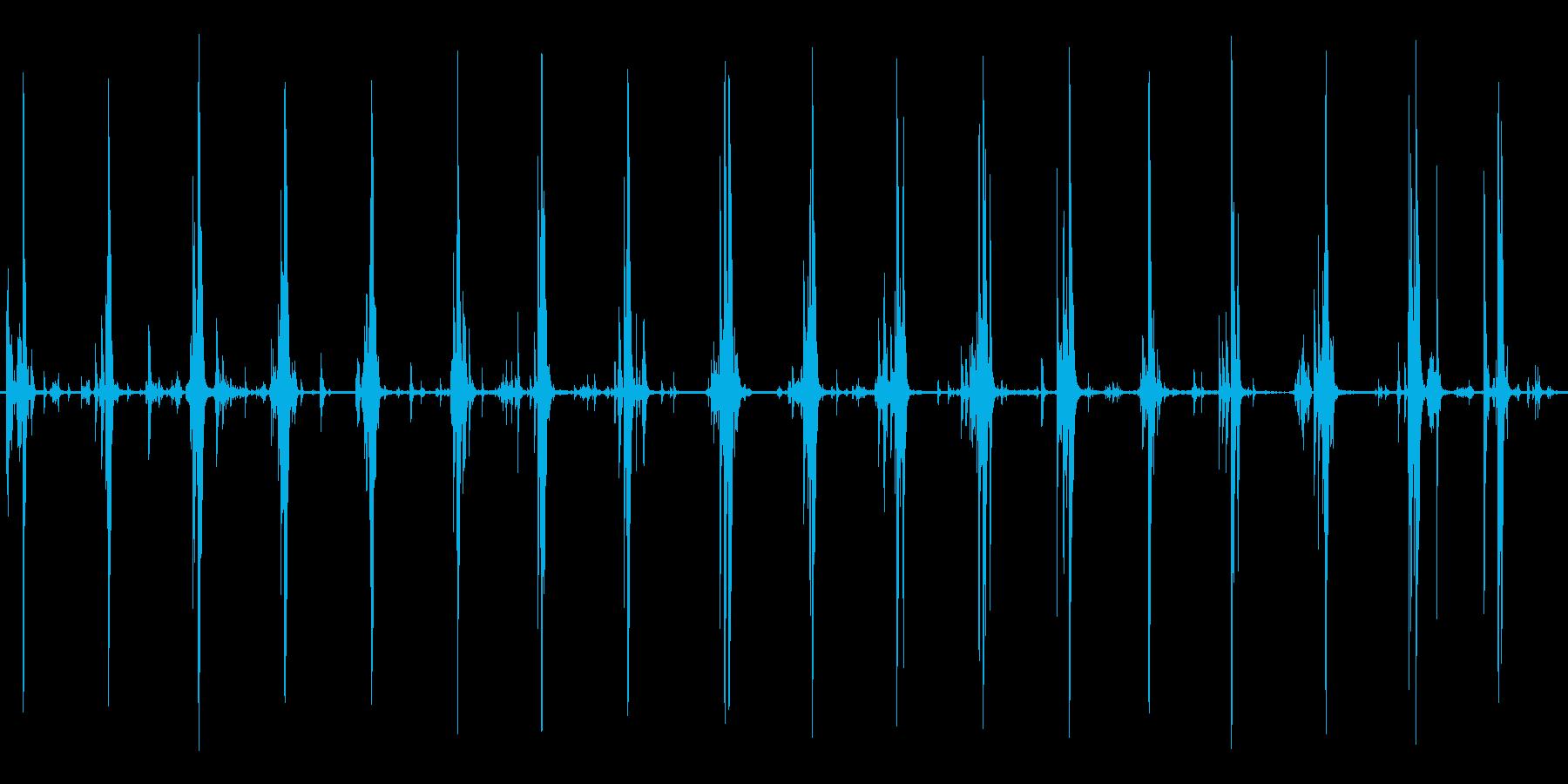 鎧 ロボット 足音の再生済みの波形