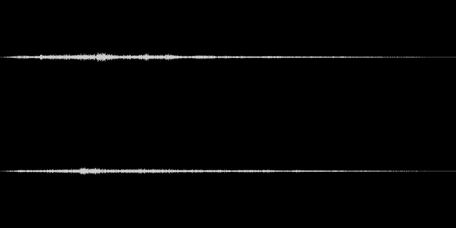 観客の笑い声(クスクス)の未再生の波形