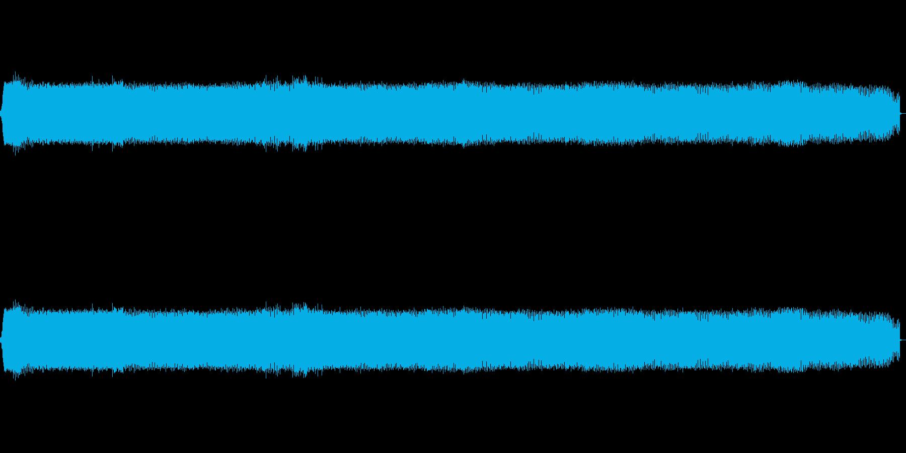 高めの汽笛のような電子音です。の再生済みの波形