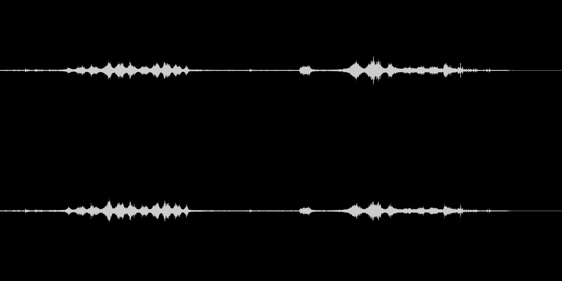 真下から録音した電車の通過音の未再生の波形