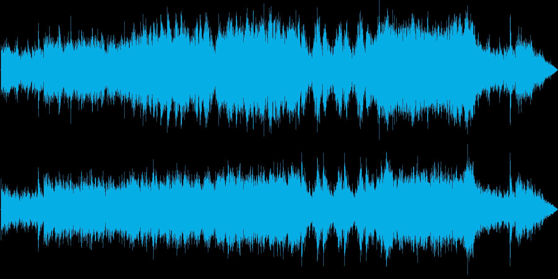 武装した軍隊が迫り来る様な打楽器中心の曲の再生済みの波形