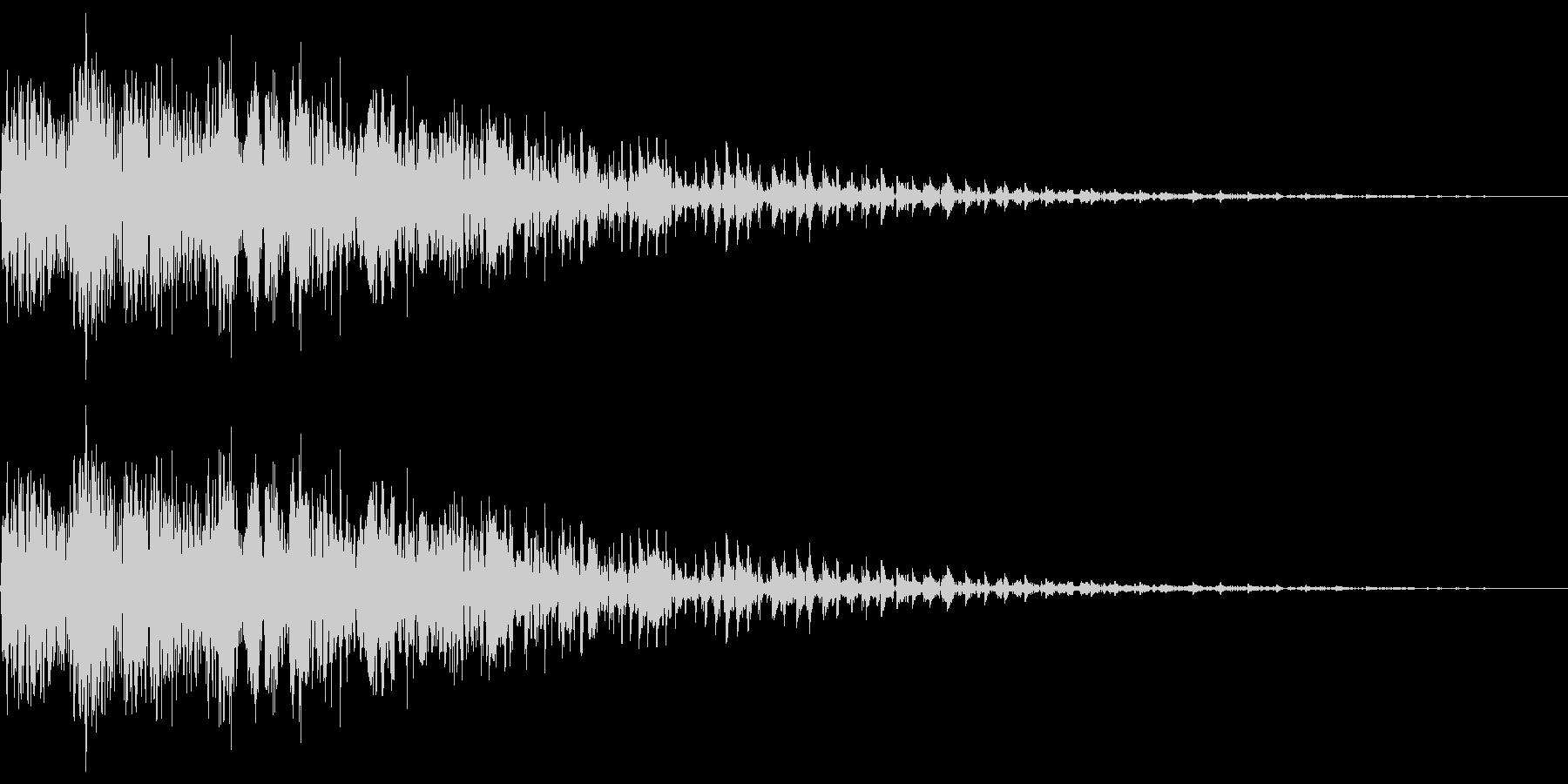 ピユーン(エフェクト_ダウン_低音)の未再生の波形