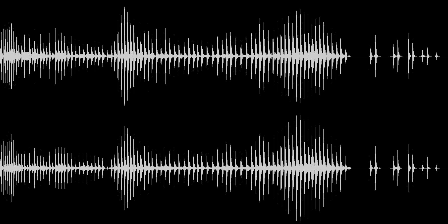 お腹が鳴る(グゥー)の未再生の波形