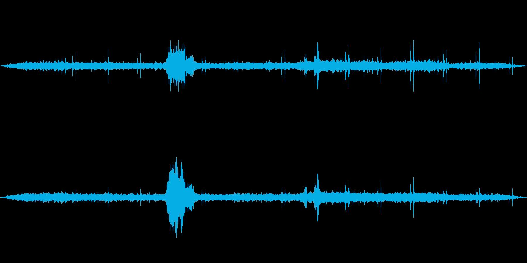 レトロな列車 警笛と走行音 列車内からの再生済みの波形