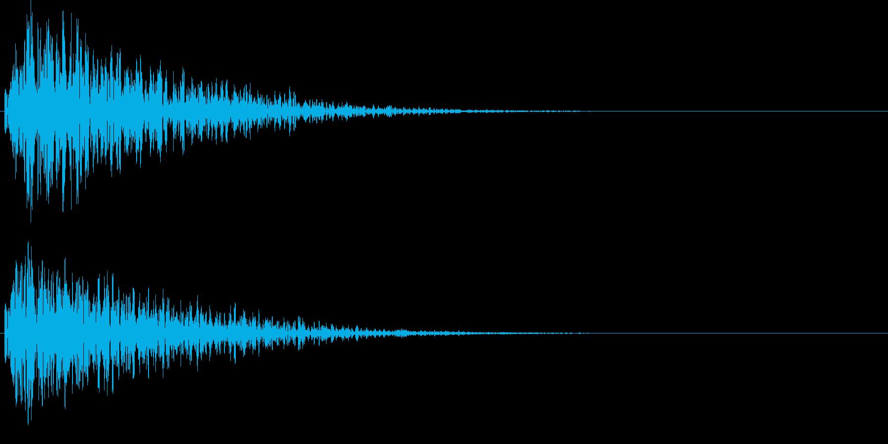 ボカーン。爆弾などの爆発音Bの再生済みの波形