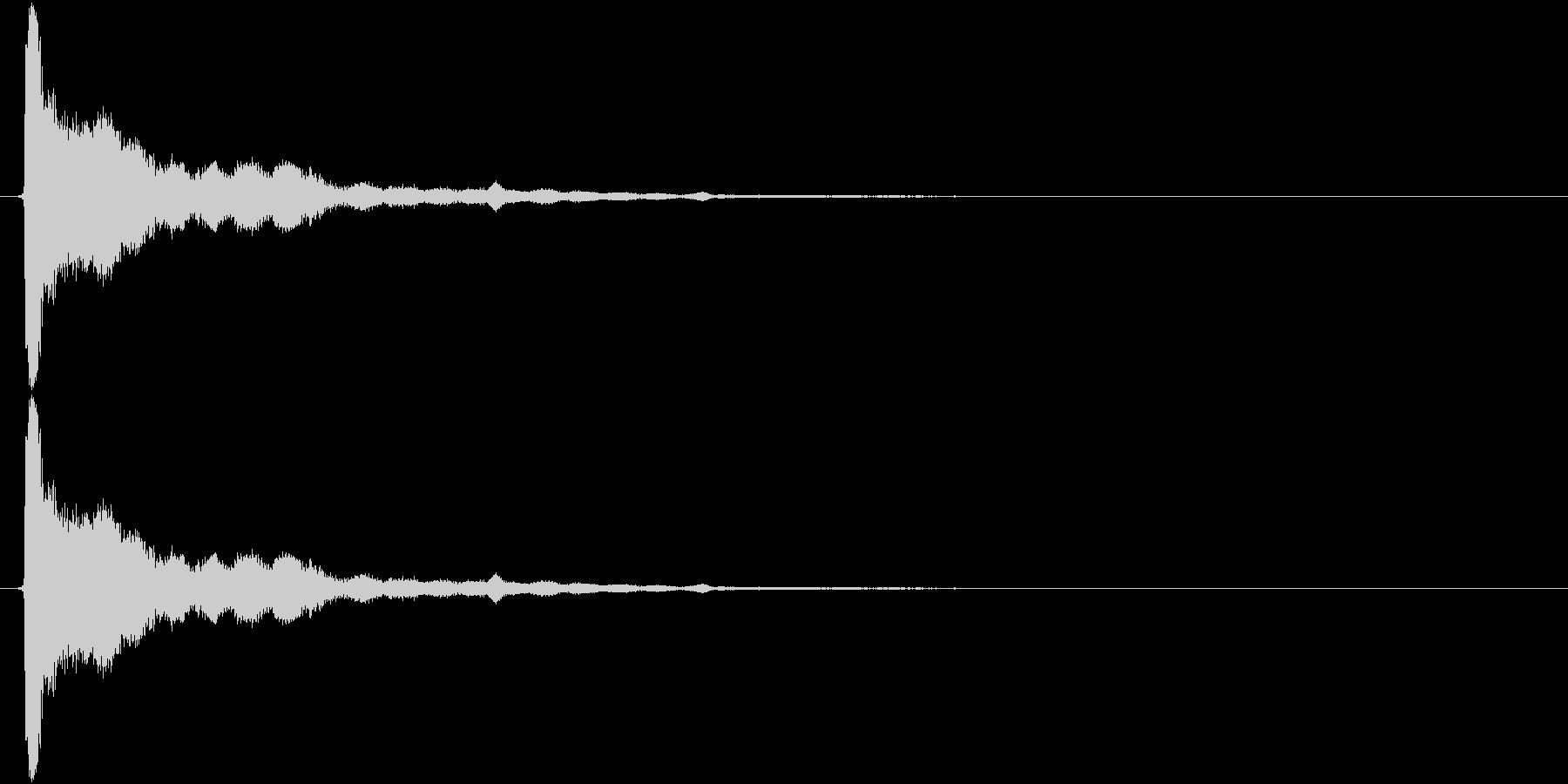 残響のある金属音(チューン)の未再生の波形