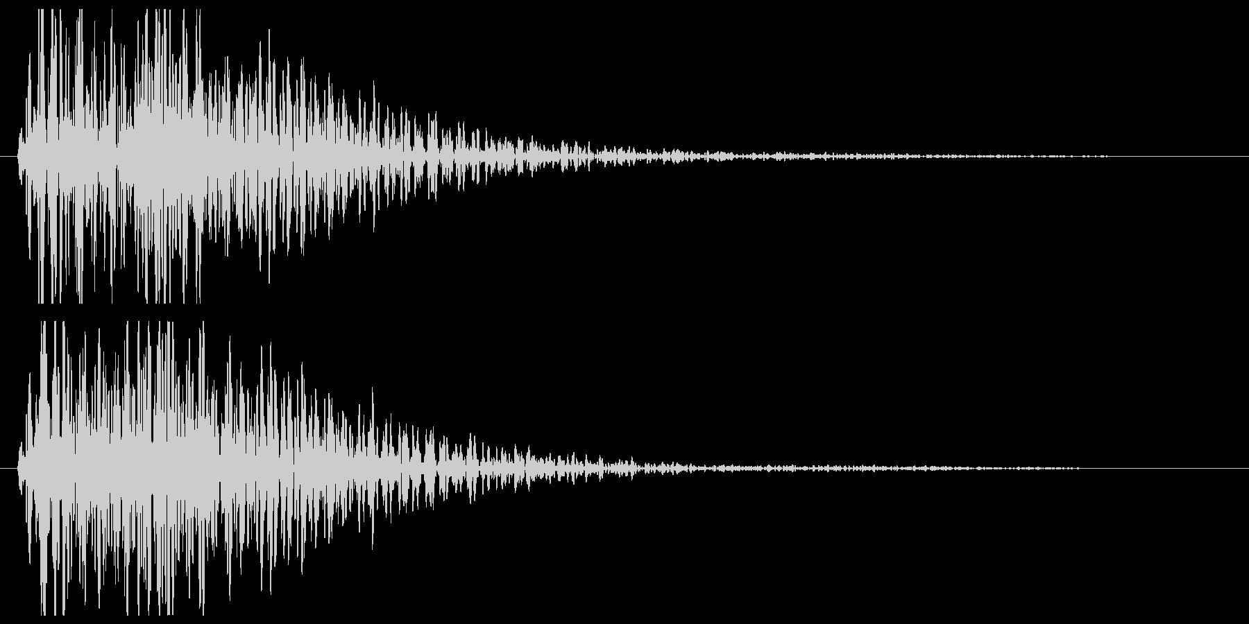 ゴーン(金属を叩く音)の未再生の波形