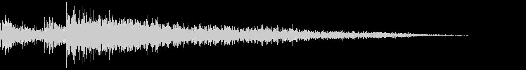 スネアとシンバルによるアクセント的なド…の未再生の波形