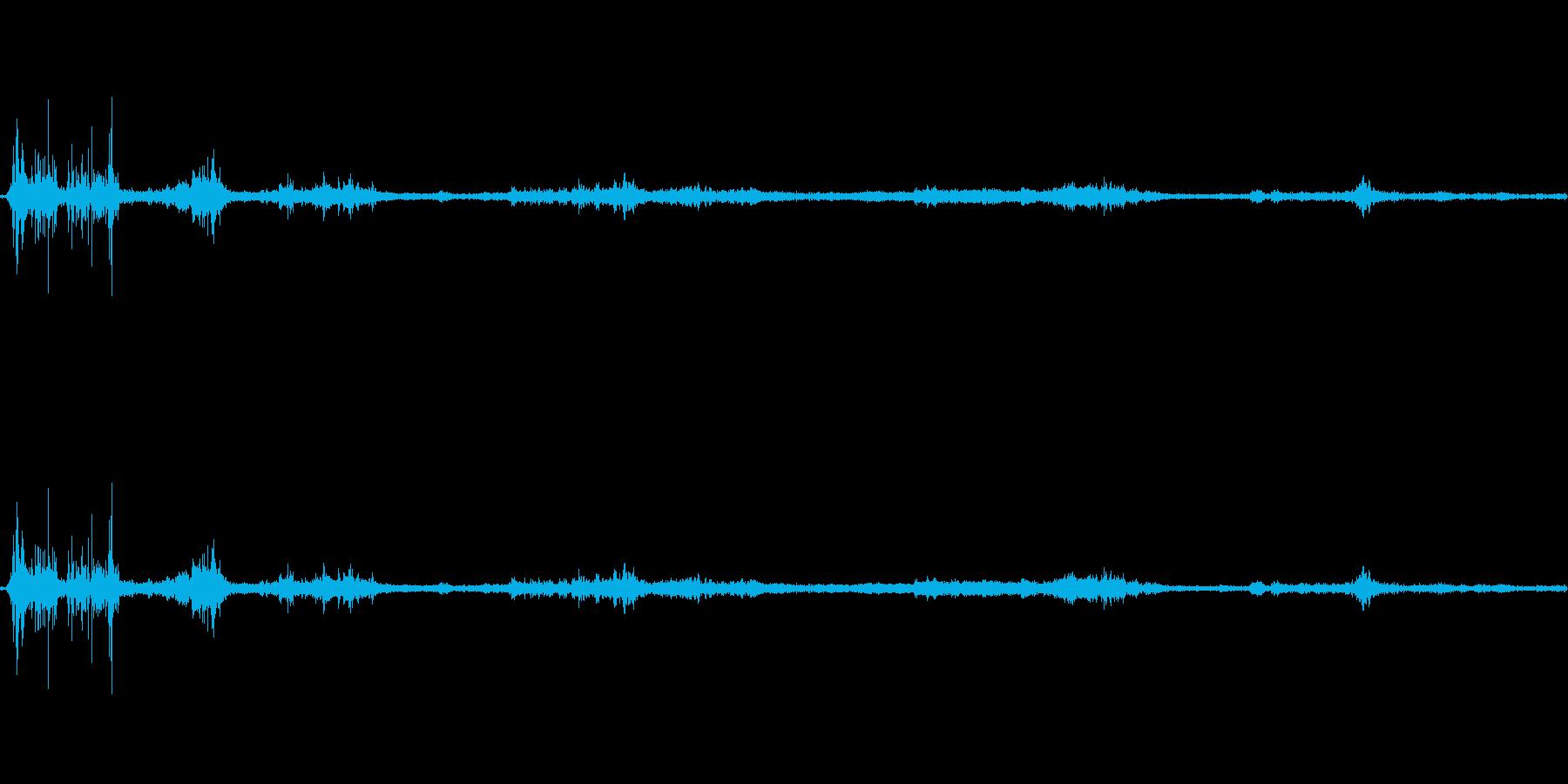 【生音】雷雨43 - 嵐・豪雨 「ざー…の再生済みの波形