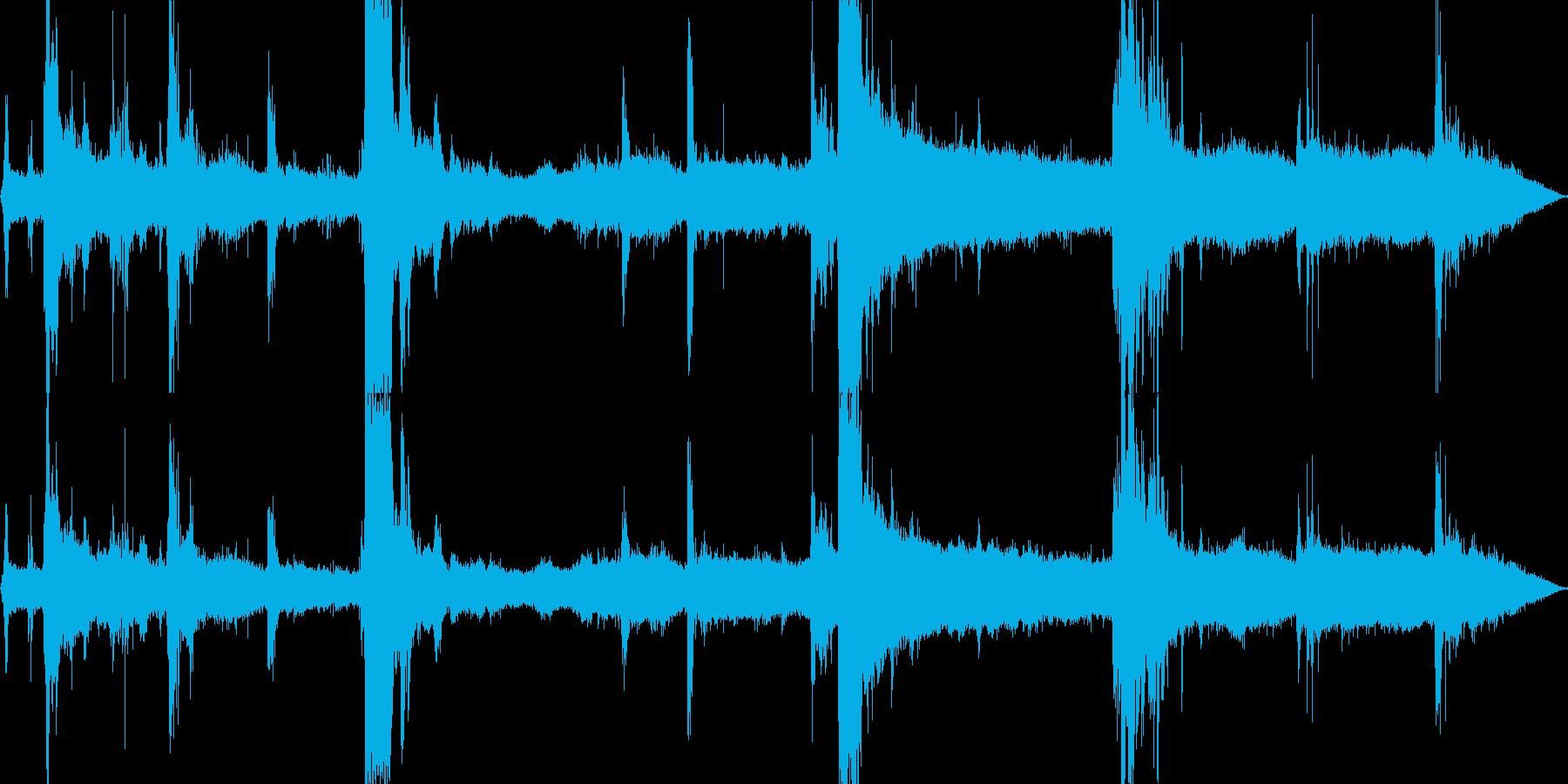【自然音】大雨、落雷の音01の再生済みの波形