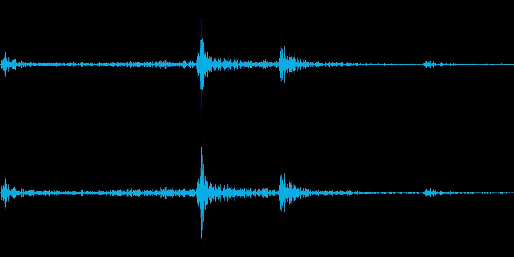 一眼レフのフラッシュが開く音の再生済みの波形