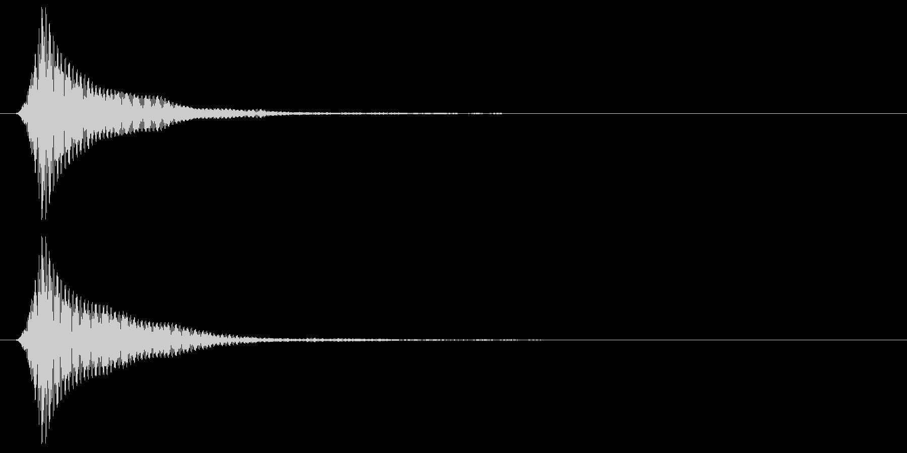 丸みのある低めのボタン音の未再生の波形