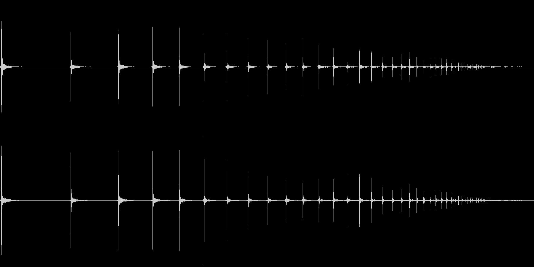 ピンポン玉が何回もはねるの未再生の波形