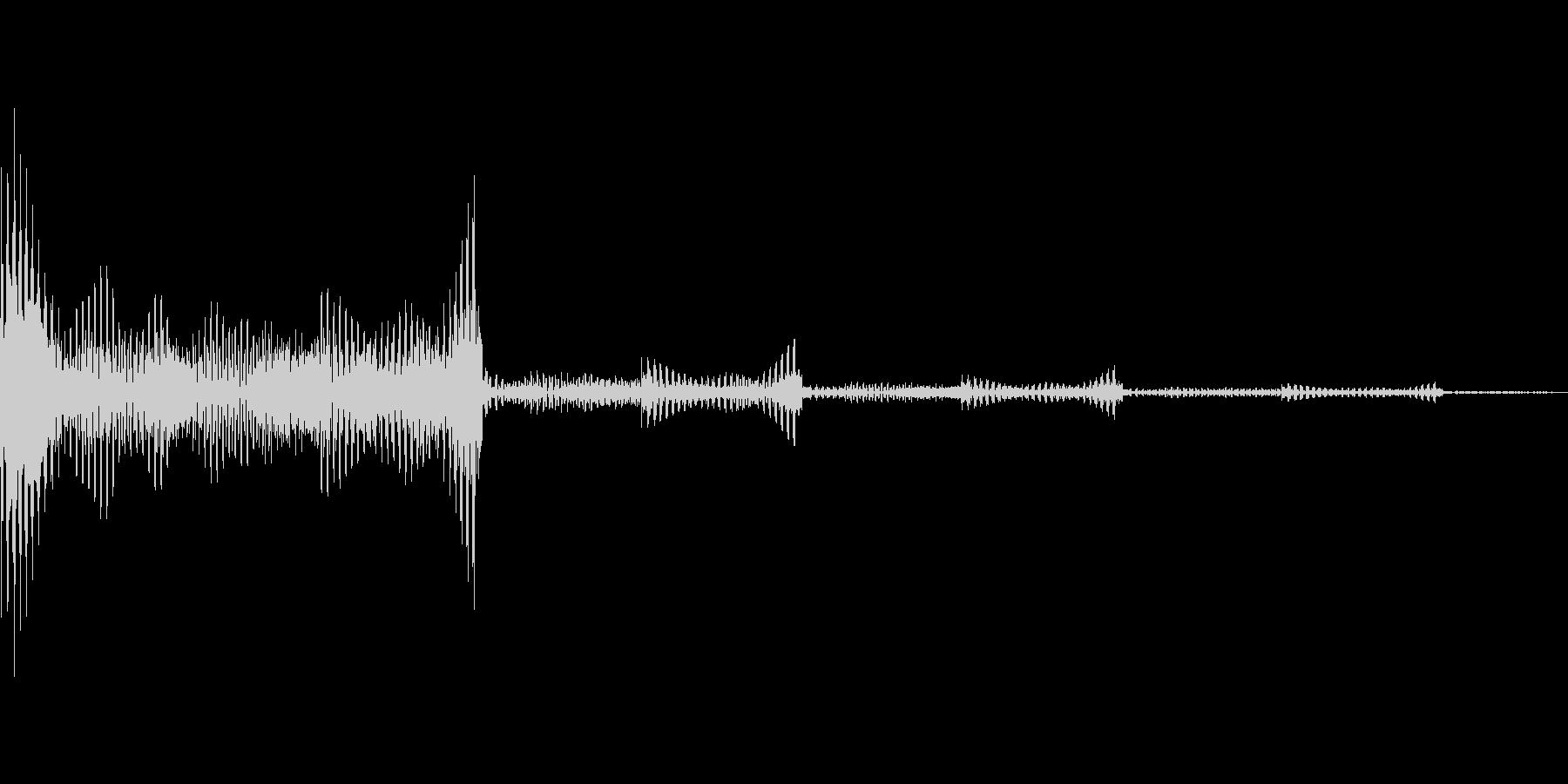 クレジットが追加されるときの音の未再生の波形