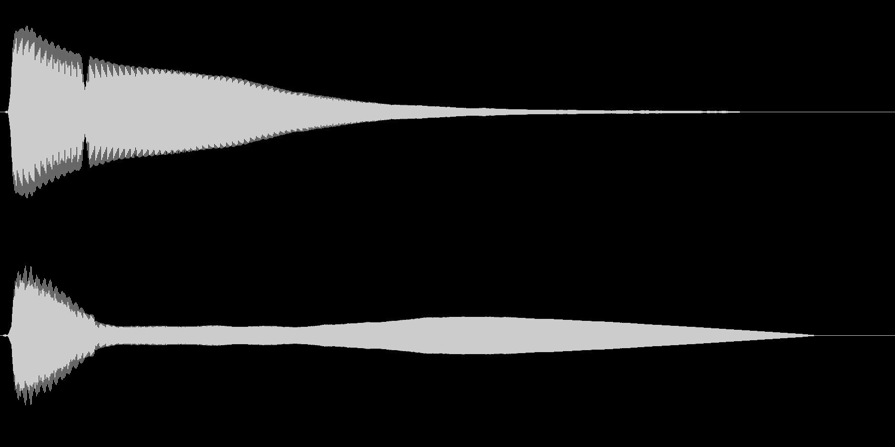 チーン(清涼感のある金属音)の未再生の波形