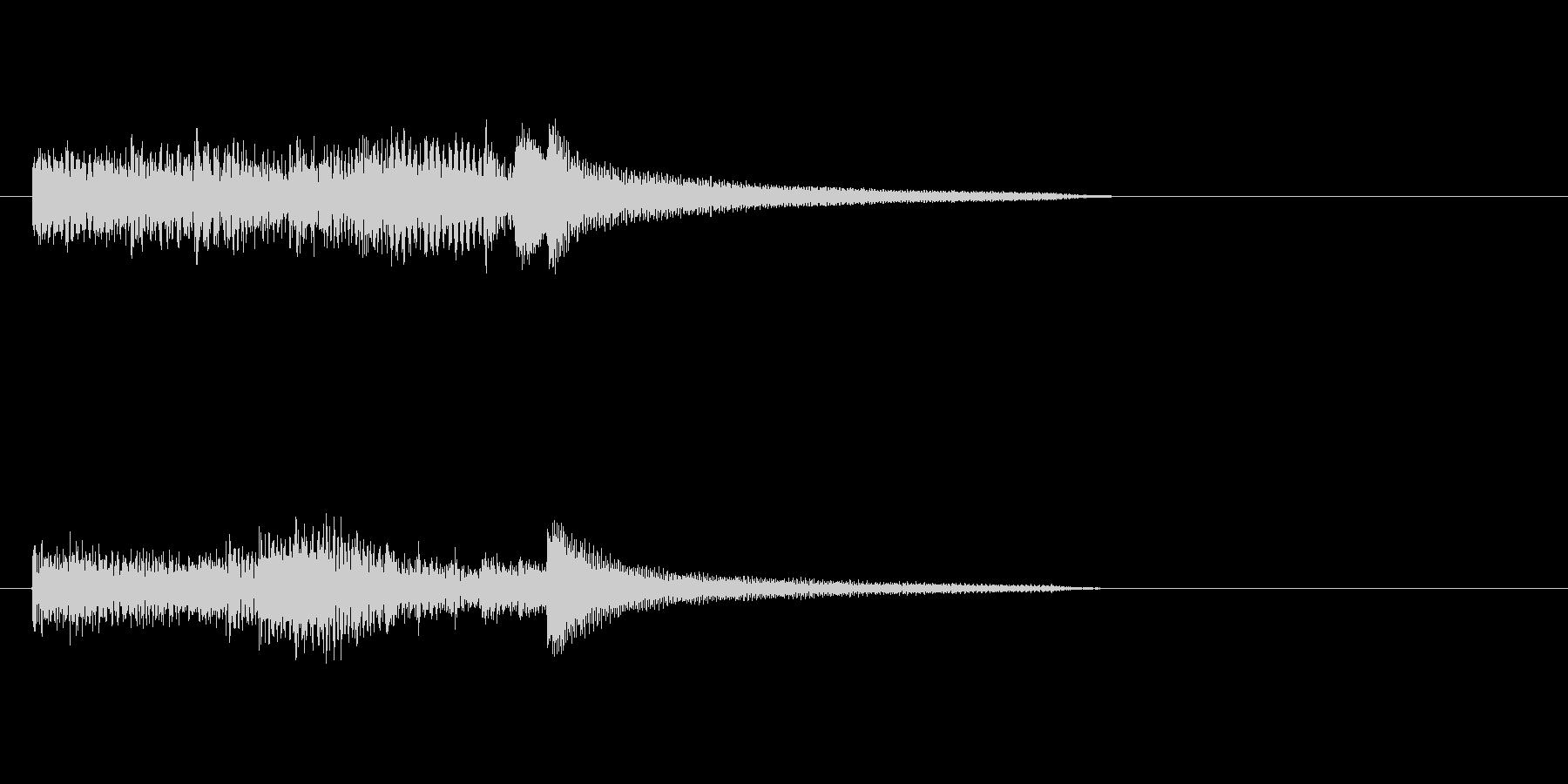 ピアノのおしゃれなスケールのジングルの未再生の波形