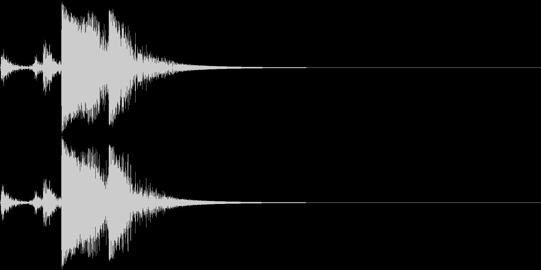 Metal 金属製の道具を置く音の未再生の波形
