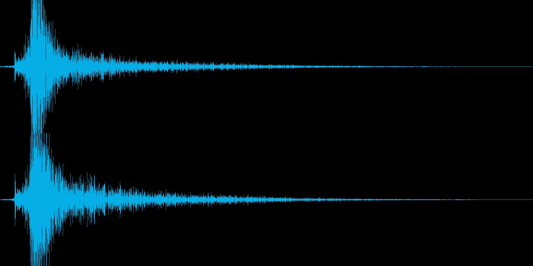 カチッ(金属系効果音)の再生済みの波形
