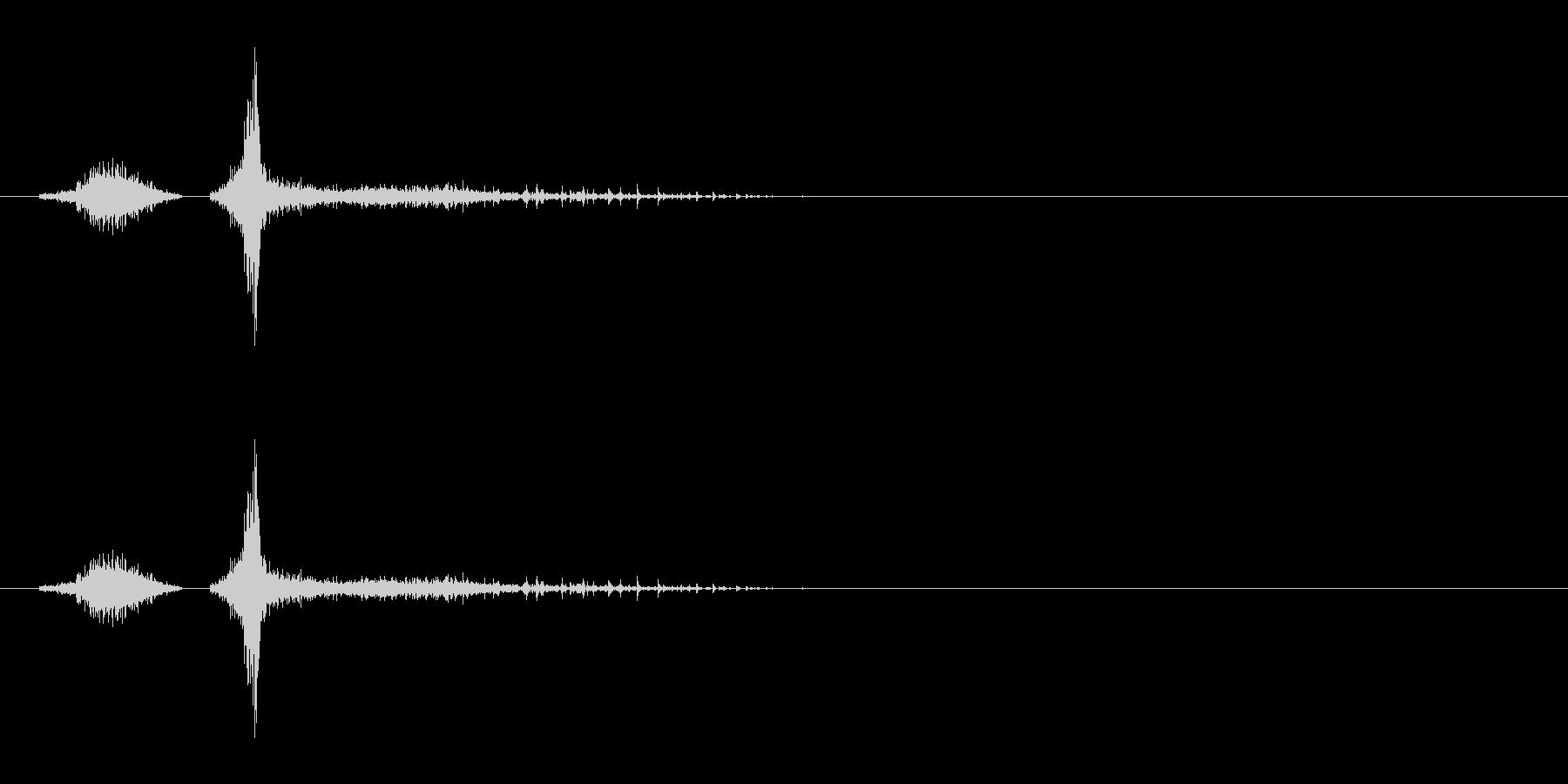 「スシャ〜!」木製シェイカーの振り音の未再生の波形