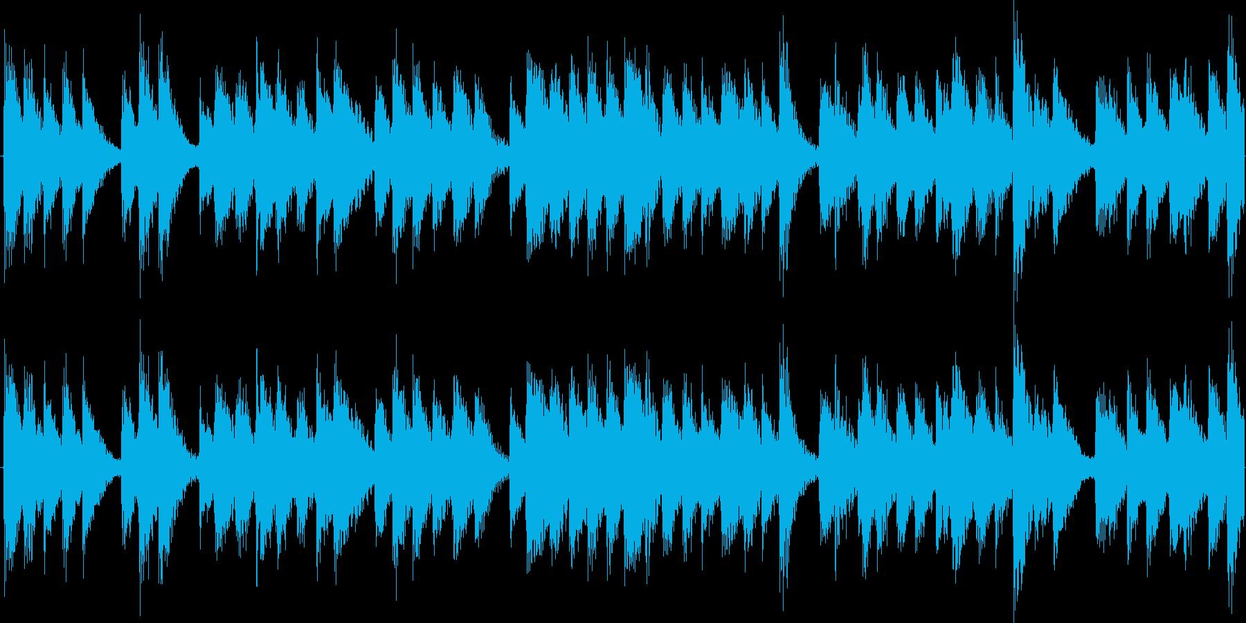 奇妙で緊迫感のあるピアノ曲の再生済みの波形