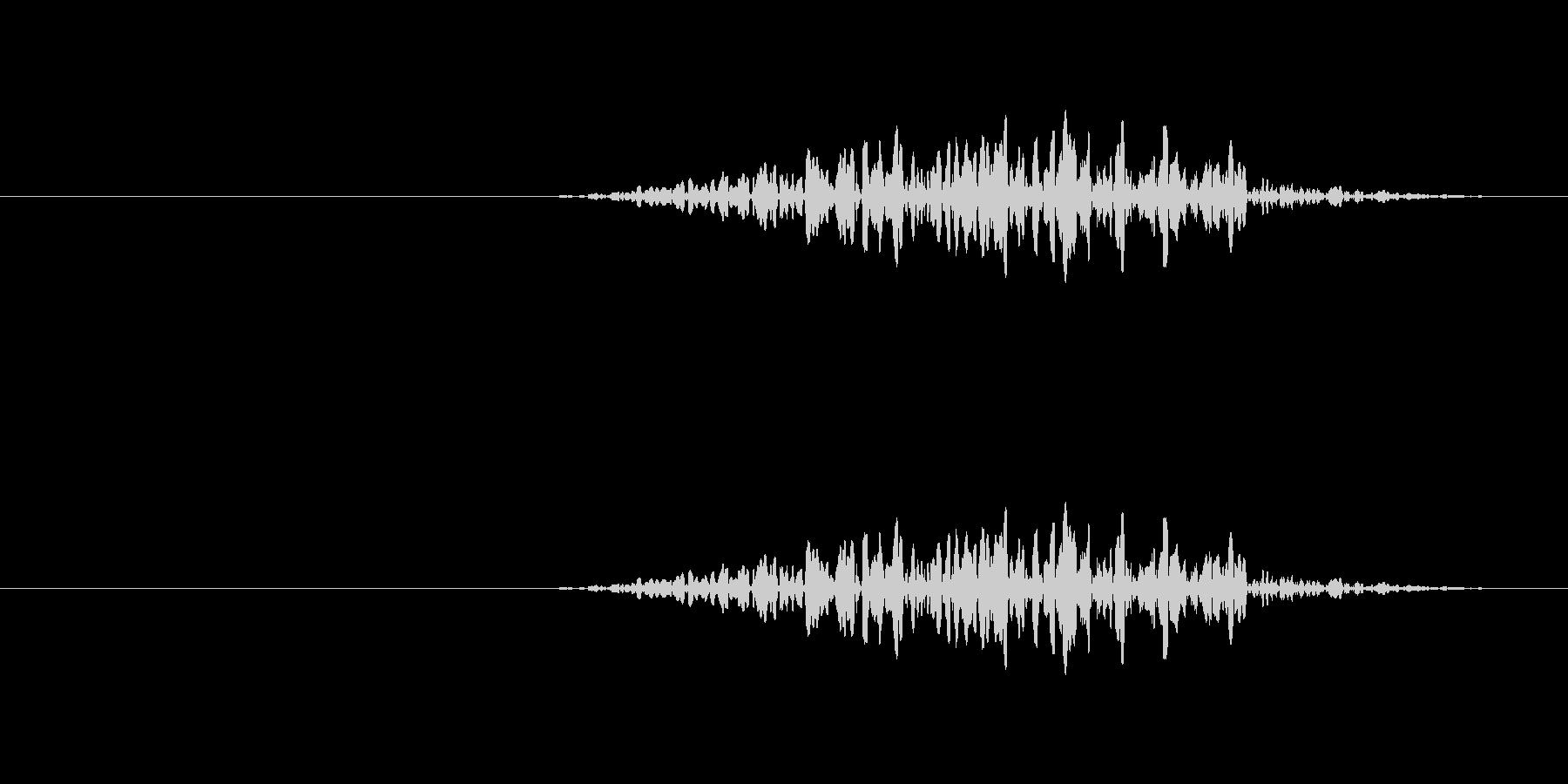 地面を物が擦る音の未再生の波形