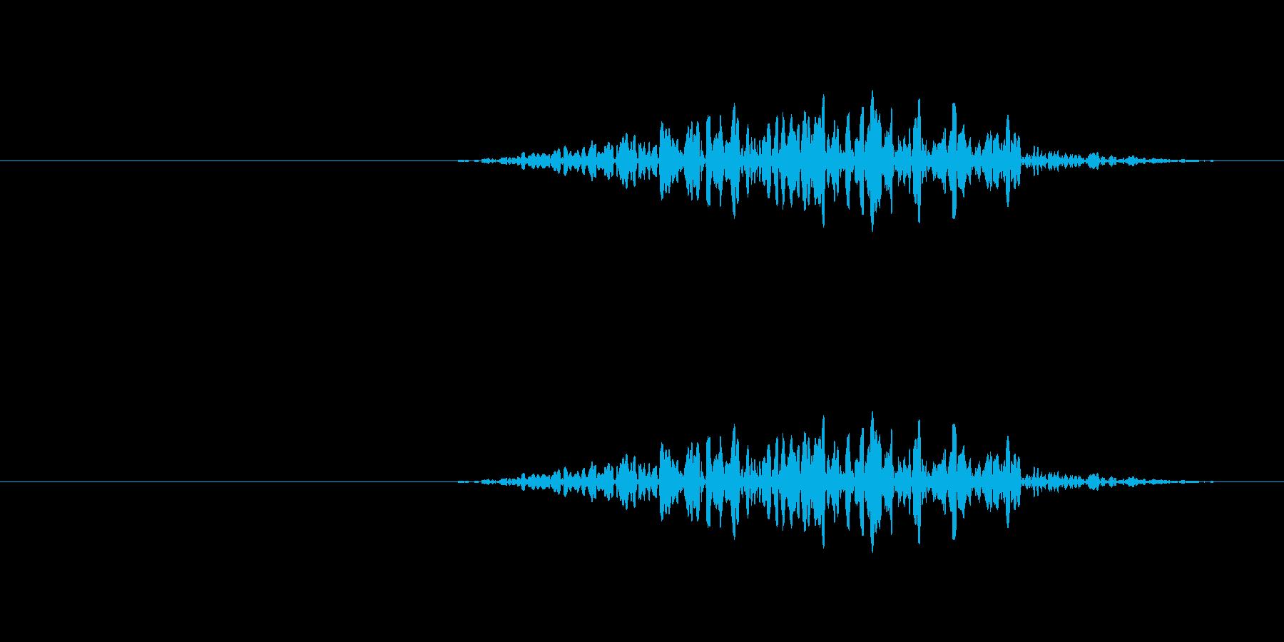 地面を物が擦る音の再生済みの波形