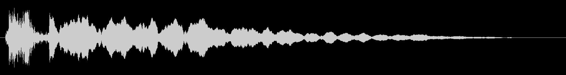 ヒューーーンというマシン作動音の未再生の波形